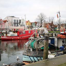 warnemünde haven ships balticsea winter