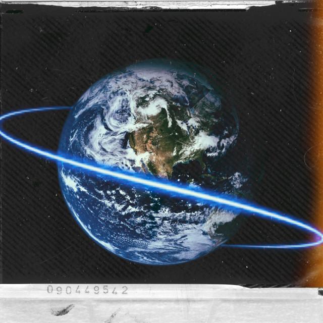 #freetoedit luz passa em volta da terra e cientistas nao sabem o que é