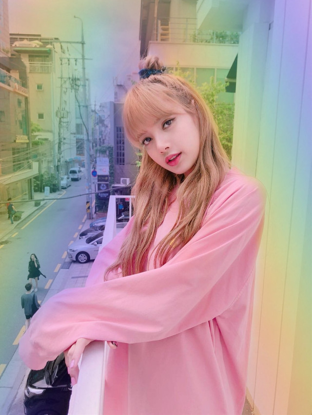 Happy birthday Lisa! You are so beautiful and strong. I proud of you so much. I love youu♡♡#happylisaday  #lalisamanoban #blackpink #blink