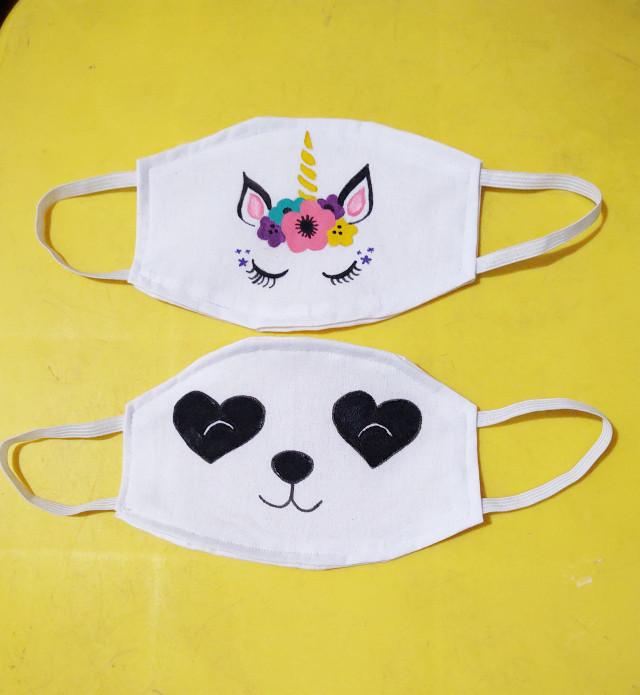 Personalizadas com bocas, personagens ou desenhos a escolha por encomenda também sai por 10,00 cada 2 por 18,00 e + de 3 sai 8,00 cada  Aceito cartão, PayPal etc. Entrego. Bauru-Sp  Máscaras lavadas, higienizadas e embaladas em saquinho plástico.  #mascara #mascaradeprotecao #facemask #painting #paint #pintura #pinturatecido #unicornio #unicorn #urso #panda #bear #personalizadas #personalizados