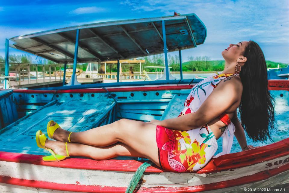 "© 2018-2020 Photography by Monno Art.  ▪️""ᴡʜᴇʀᴇ ᴛʜᴇʀᴇ'ꜱ ᴀ ᴡɪʟʟ ᴛʜᴇʀᴇ'ꜱ ᴀ ᴡᴀy."" ▫️ᴍᴏᴅᴇʟ: ᴍᴀʀᴀ ꜰᴇʀʀᴀᴢ. ▪️ ɪ'ᴍ ᴛʀyɪɴɢ ᴛᴏ ꜰɪɴᴅ ᴍyꜱᴇʟꜰ ɪ'ᴍ ᴛʀyɪɴɢ ᴛᴏ ᴜɴᴅᴇʀꜱᴛᴀɴᴅ ᴍyꜱᴇʟꜰ...  #portrait #woman #sky #landscape #feelings #nature #face #fashion #photography #glasses #rayban #lake #view #tattoo #boat  #streetphotography #hightheels #beauty"