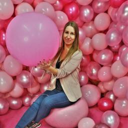 pink rose balloons fatal selfie
