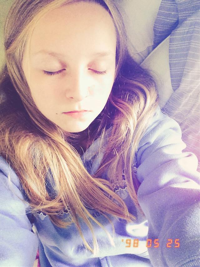 #sleeping #naturalligt #blue #sunny