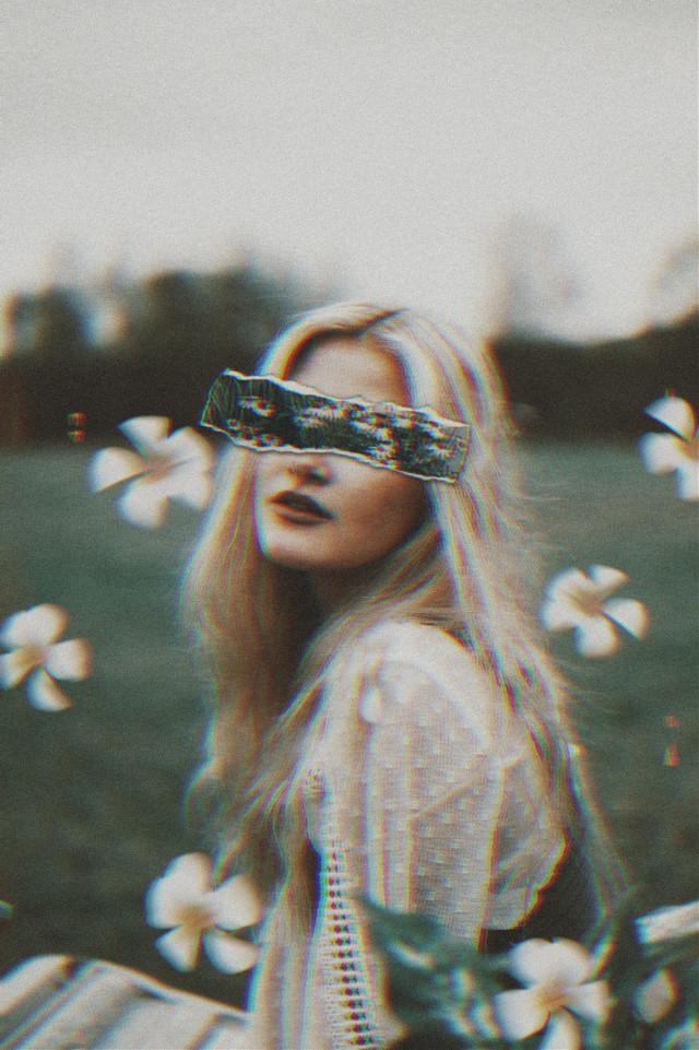 #freetoedit 🥰🥰🥰 #myedit #papicks #grungeeffect #floralpaper #motionblur #girl #flowers