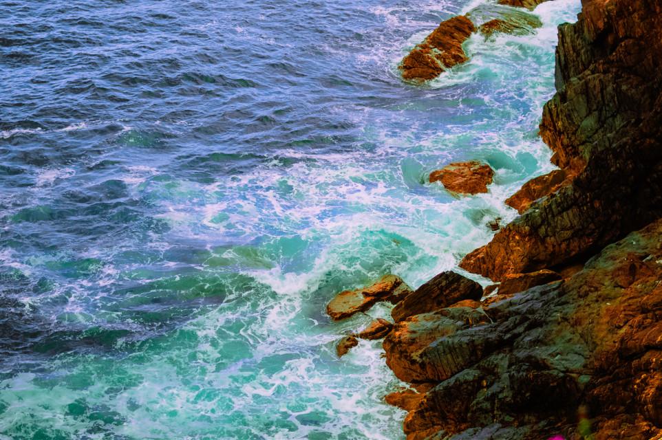STONE OCEAN . . . #cliff #nature #travel #beach #sea #landscape #photography #ocean #sunset #adventure #mountains #travelphotography #sky #naturephotography #coast #landscapephotography #hiking #photooftheday #beautiful #view #waves #cliffs #instagood #explore #rock #rocks #travelgram #bhfyp  #freetoedit  #galicia #ストーンオーシャン #空条徐倫 #ジョジョの奇妙な冒険