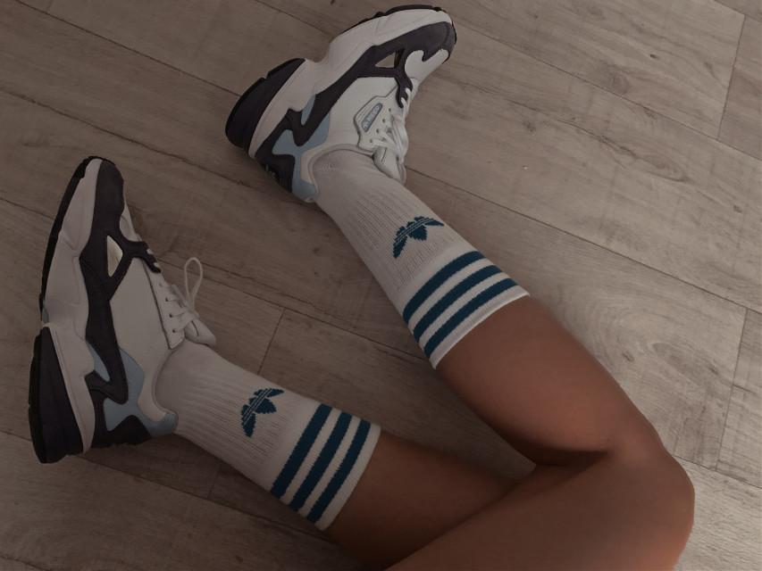 Love🤍   #adidas #details #sneakers #people #ootd #style #styleblogger #stylegirl #styleinspo #fashion #fashiongirl #fashionstyle #freetoedit