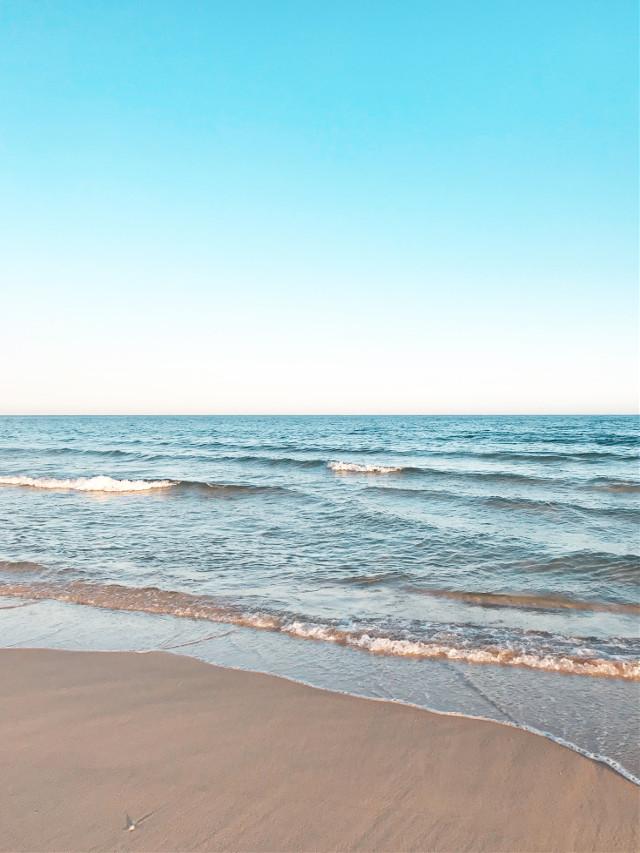 #summertime #beautifulday #hotweather #brightshinyday #shineworld #beachview #lowtide #calmwaves #horizon #bigbluesky #nature #beachscenery #thebestplacetobe #happyplace #goodenergy to #rechargeyour #batteries                                               #beachphotography #goodvibesonly                                                               Stay safe my friends ✌🏼                                                                                          #freetoedit