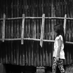 bw bnw blackandwhite child stairs bwphotography bnwphotography blackandwhitephotography freetoedit