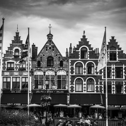 streetphotography streetphotographers streetphoto_bw photoderue blackandwhite noiretblanc blackandwhitephotography bruges belgique bnw_life bnw bnw_planet bnw_captures bnw_society bw_photooftheday bw igersbnw ig_france ig_blacknwhite ig_captures ig_europe streetstyle citylife street art