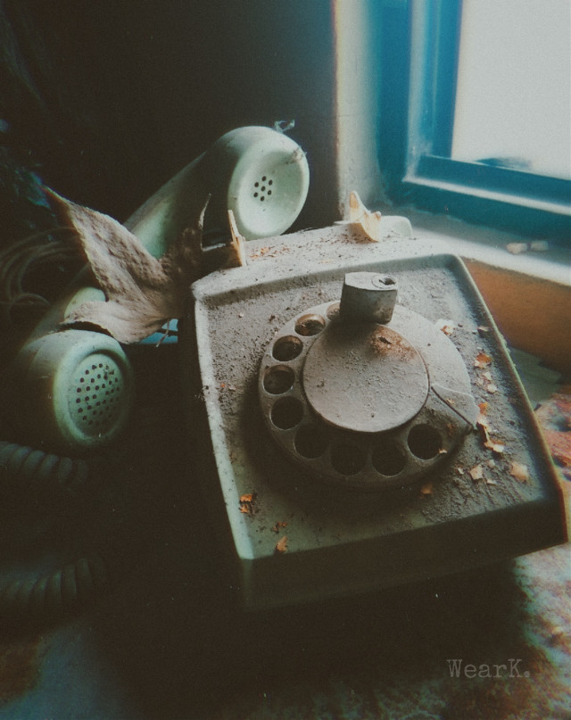 #phone #simple #abandoned #decay #grunge #urbex