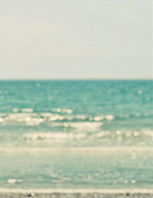 #summertime #beachvibes #seaview #oceanwaves #calmwaves #bokeh #naturalbokeh #horizon #hotweather #blurrypicture #outoffocus #beachscenery #beachphotography                                                                                                           #freetoedit