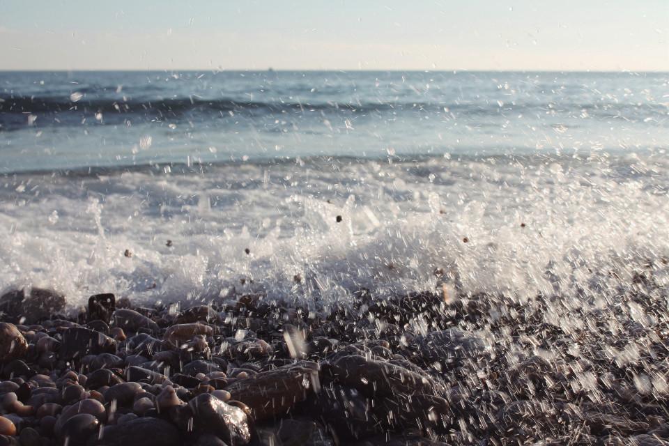 🌊 #onde #mare #sea #summer #summertime #summerstory #lovesummer #fragola #nymeria #italiabella #italia #italiansummer #phonephotography