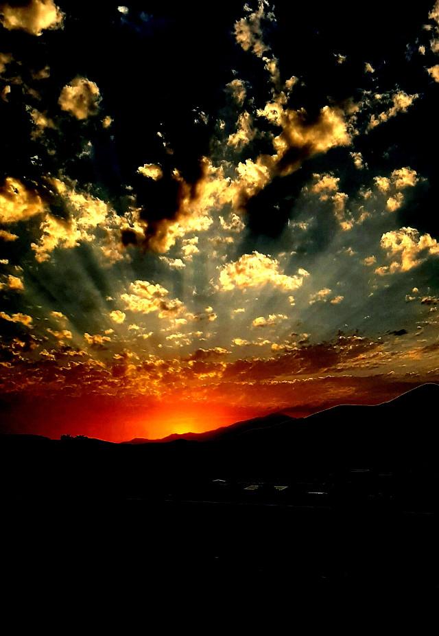 #freetoedit #sun #sonset #sky #ontheroad #ontrip #mobilephotography #photography