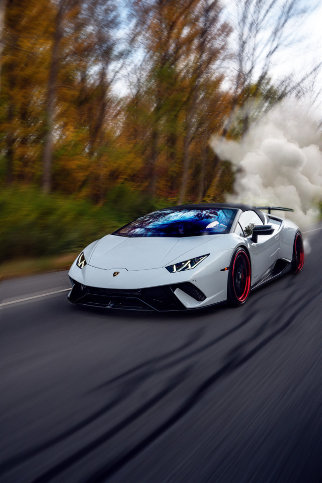 This is a tutorial on how to make a car look like it's going really fast. Plz remix! #car #cars #lambo #lamborghini #fast #speed #speedy #richcar #zoom #likeandfollow @xXColors11Xx #save #tryit #freetoedit #remixit