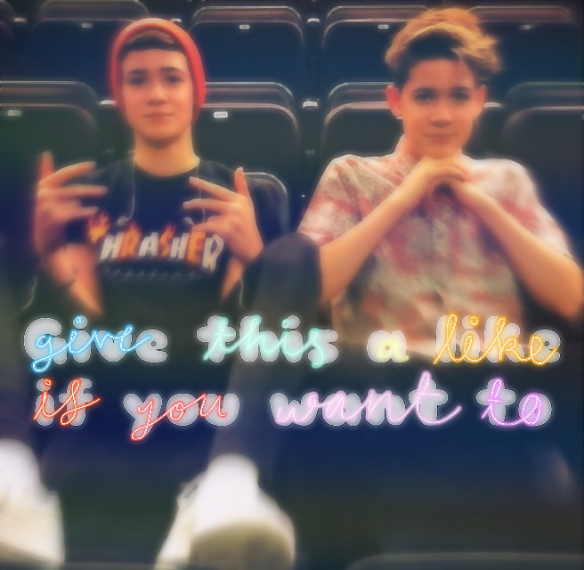 Give this a like if you want to Repost this if you wanna #ifuwantto #maxandharvey #maxmills #harveymills #givethisalike #repostthis #millsies #mills #millsie #maxandharveyofficial #harveykittimills #maxlucamills #maxmillsedit #harveymillsedit #maxedit #harveyedit #maxandharveyedit