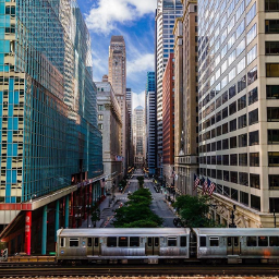 chicago colourful train beautiful