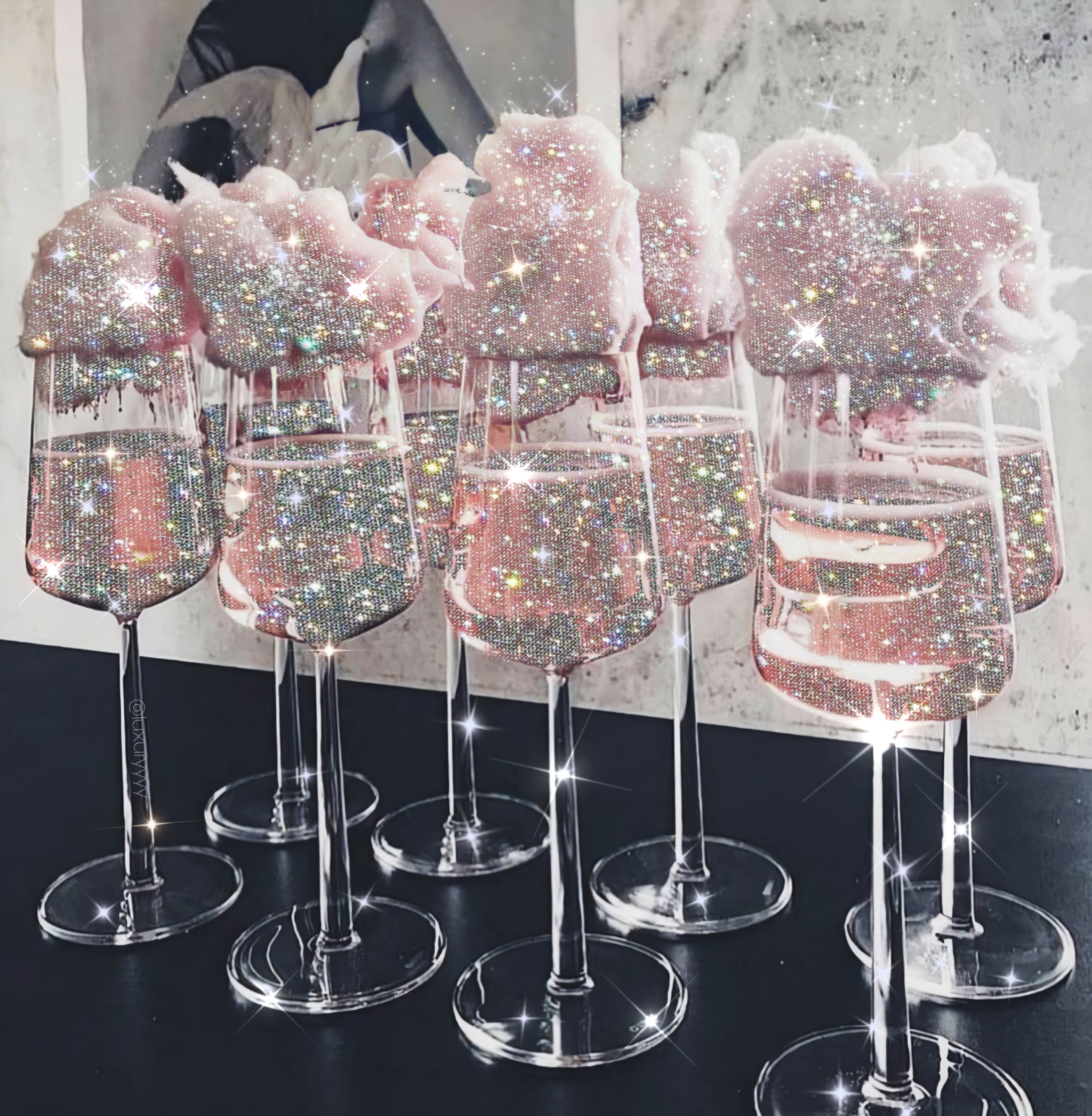 Glitter art by @alteregoss (luxuryyyy is my insta name)#glitter #glittery #glitters #aesthetic #sparkle #shine #glow #glowing #silver #overlay #drinks #pi