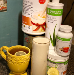 stayinspired getcreative doitforyou herbalife healthylifestyle healthymeal healthyhabits healthyeating fitness healthandwellness journeyoflife delicious thankful myjourneycontinues weightloss muscles proteinshake tea aloe lemon