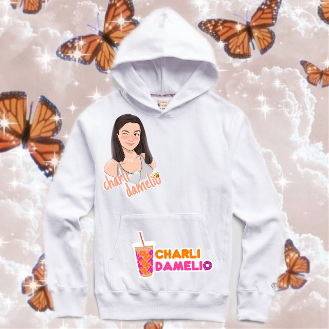 Would u guys buy my merch if so pls let me know in the comments #charlidamelio