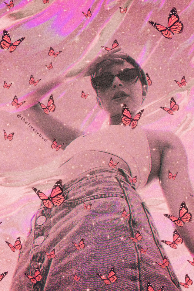 #aestheticedit #makeawesome  #butterfly #sparkle #heypicsart    #pinkaesthetic #vibes #aestheticvibes #rcholographicbackground #holographicbackground #freetoedit