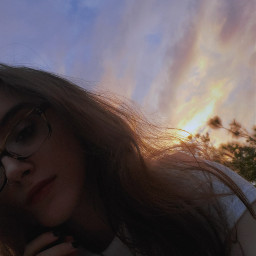 picsart girl aesthetic photography sunset sky skyphotography selfie vynl sunsetphotography aestheticphotography lifestyle freetoedit