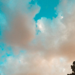 sky clouds bluesky lookingup weekendvibes mypotography