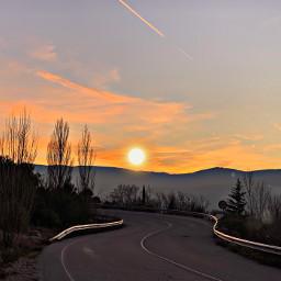 sunset road ontheroad autumniscoming fall autumn goldenhourlight goldenhour mariabalawa sunsetontheroad nofilter pcgoldenhour
