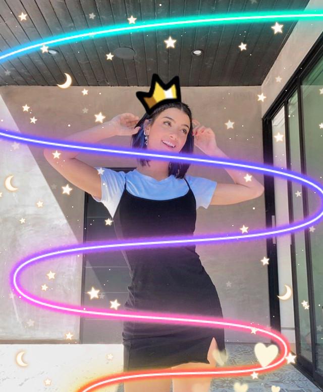 #queencharli