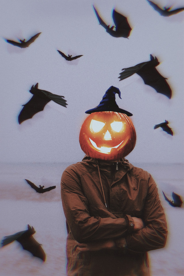 #halloween #man #bats #creepy #pumpkin #pumpkinhead #creepyman