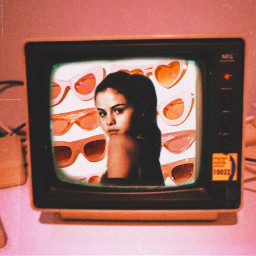 selena gomez selenagomez girl woman pretty cute beautiful pink peach orange black aesthetic vintage tv television sunglasses sun heart hearts background edit art picsart pic freetoedit rcontv ontv