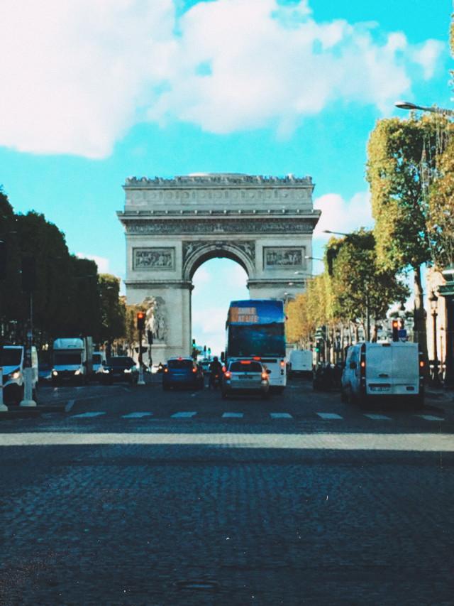 Paris 🔥🧡🤩 #paris #arcdetriomphe