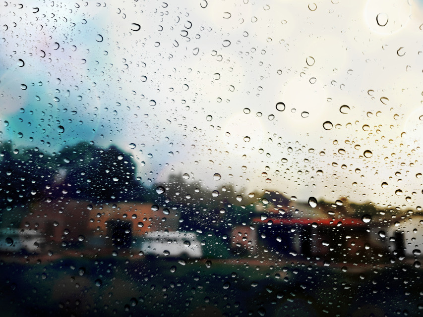 A normal day on any road, and a friendly rain outside.  #rain #wetwindow #dailylife #myphotography #editbyme