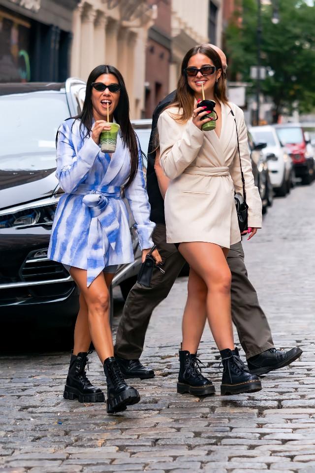 ✨ #freetoedit #addisonrae #kourtneykardashian #bestfriends #bff #tiktok #friends #cute #starbucks #sunglasses #kardashian #origftestickers #beautiful #photography #photo #girls