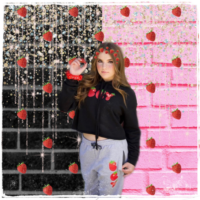 Strawberries🍓✨ @piperr0ckelle #strawberries #piperrockelle #piperrockelleedit #piperazziamry