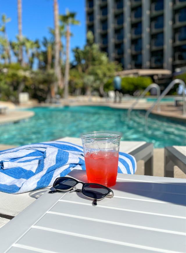 #pretty #california #pool #sunny