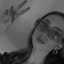 freetoedit peace girl bw blackandwhite blackandwhitephoto blackandwhitephotography schwarzweiß pretty sunglasses sunnies people heypicsart fashion style blogger beauty selfie