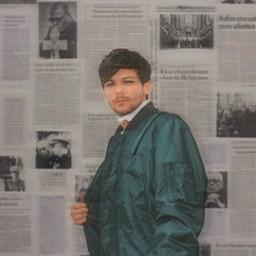 louistomlinson onedirection background newspaper blureffect motionblur aesthetic vintage vhs harrystylesedit liampayne zaynmalik niallhoran freetoedit