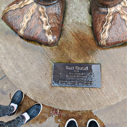 feet plaque duck statue lookdown universityoforegon oregonducks rainyday freetoedit