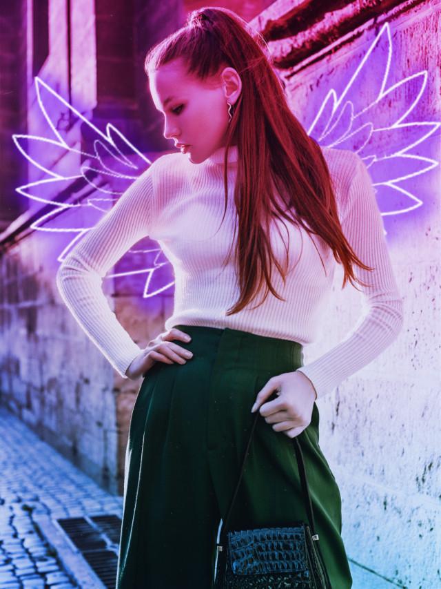 #freetoedit #neon #neonwings #neoneffect #gradient #gradientcolors #gradienteffect