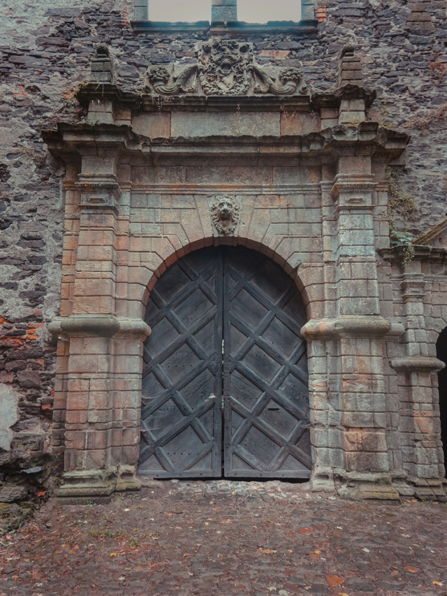 #ruins #old #door #photography #gate #castle