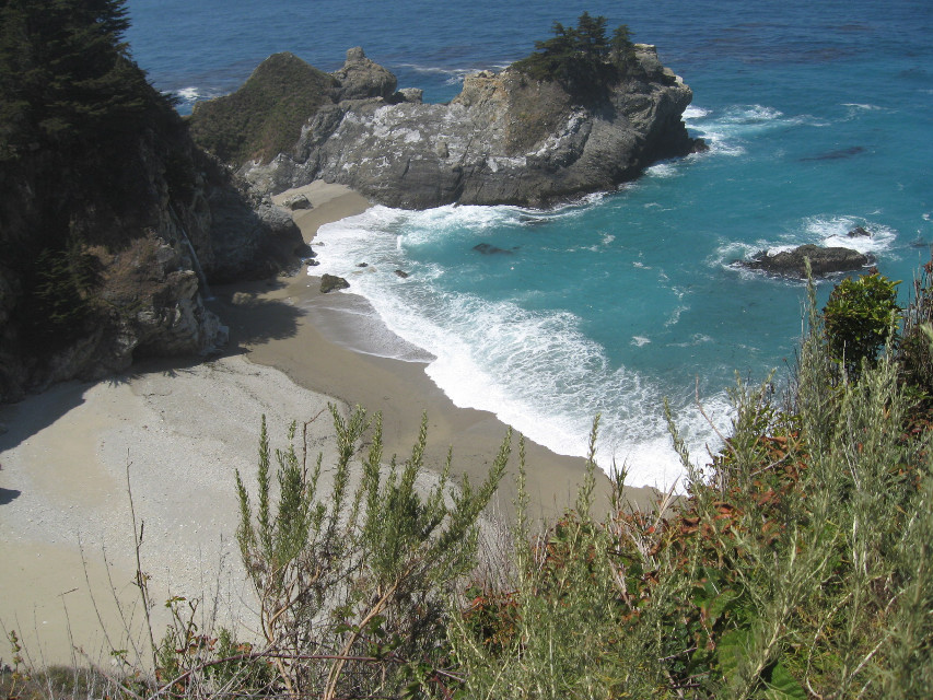 Happy weekend dear friends 🧡 #freetoedit #myphotography #viewfromabove #nature #coast #rocks #sand #sea #ocean