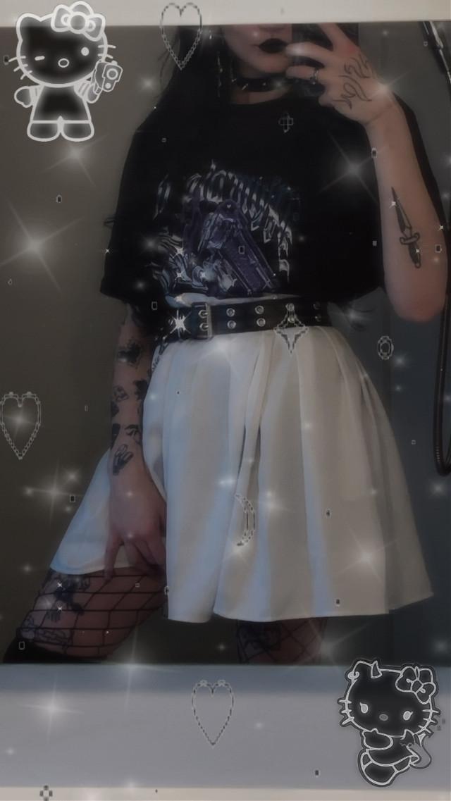 #emo #grunge #goth #gothic #egirl #egirloutfit #egirlfactory #egirls #drainer #cyberpunk #cybergirl #cybercore #cybergoth #cybery2k #aesthetic #freetoedit #y2k #y2kprincess #y2kedit #fairy #cute #baddie #hellokitty #cottagecore #draingang