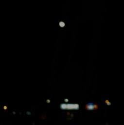 dark night minimal blur streets moon