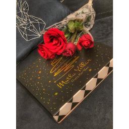 flower plant rose close_up indoors gift celebration newyear love emotion chocolate blackandwhite