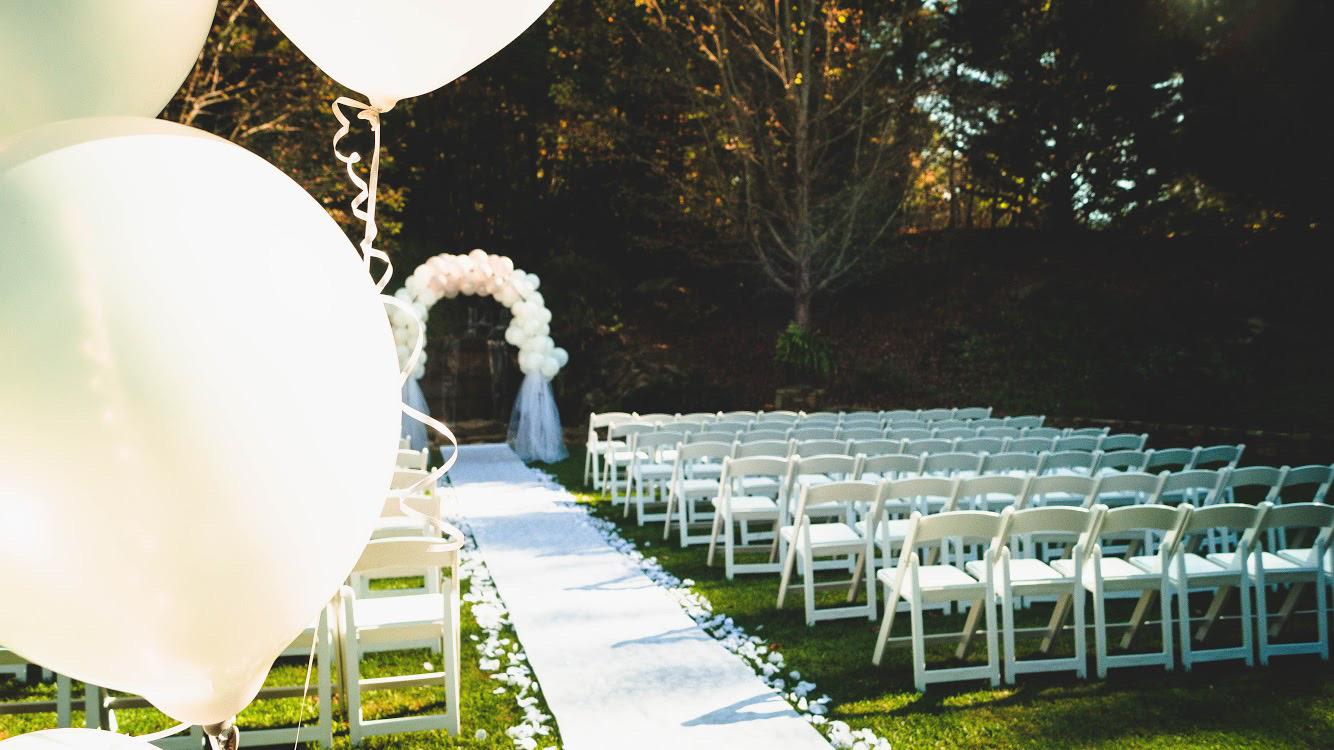 Wedding stuff #wedding #beautiful #white #followme #nature #freetoedit #fall #balloons