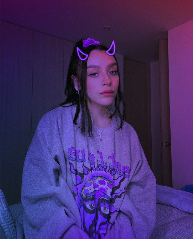 #replay #girl #aesthetic #aestheticgirl #pink #glitter #glow #outfit #sofiacastro #purpleaesthetic #purple #neon #diablo