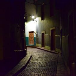 streetphotography night guanajuato