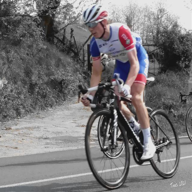 #historiasdes_veladas_de_mi_dia_a_dia #ehitzulia #cyclist