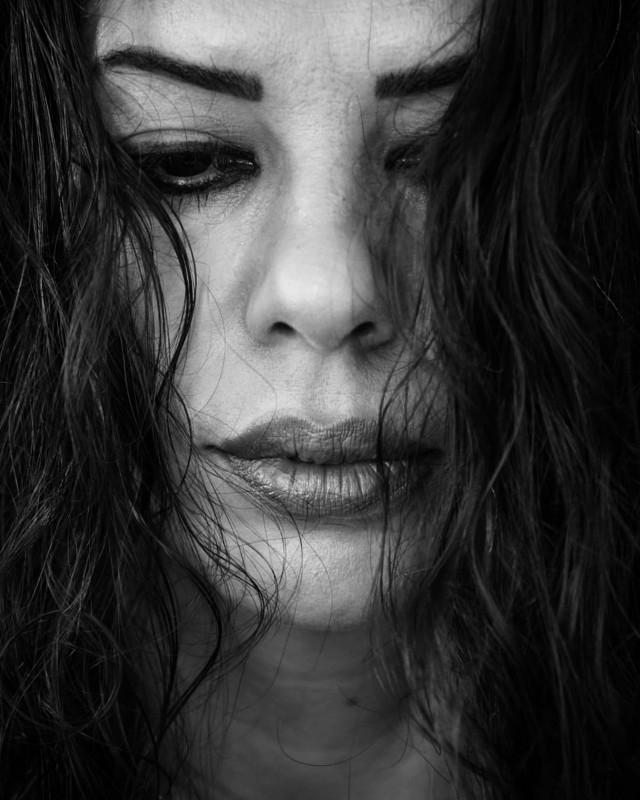 #bw #bnw #blackandwhite #bwphotography #bnwphotography #blackandwhitephotography #woman #portrait #portraitphotography #bwportrait #photography