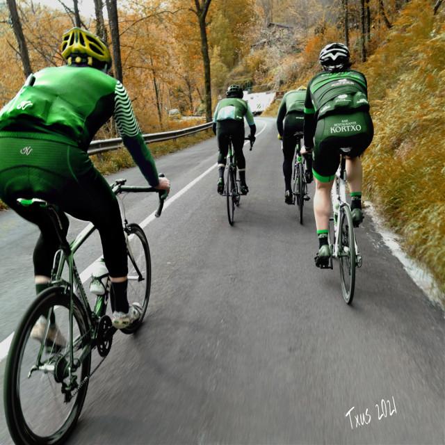 #historiasdes_veladas_de_mi_dia_a_dia #team #cycling